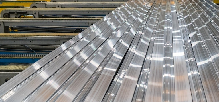 What are the differences between stainless steel and cold rolled steel?