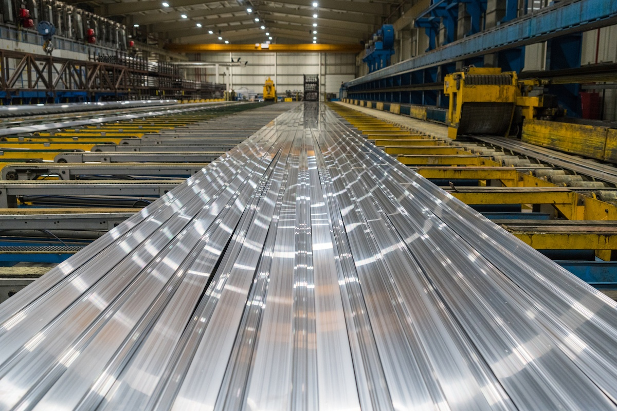 What Are the Differences Between Stainless Steel & Cold Rolled Steel?
